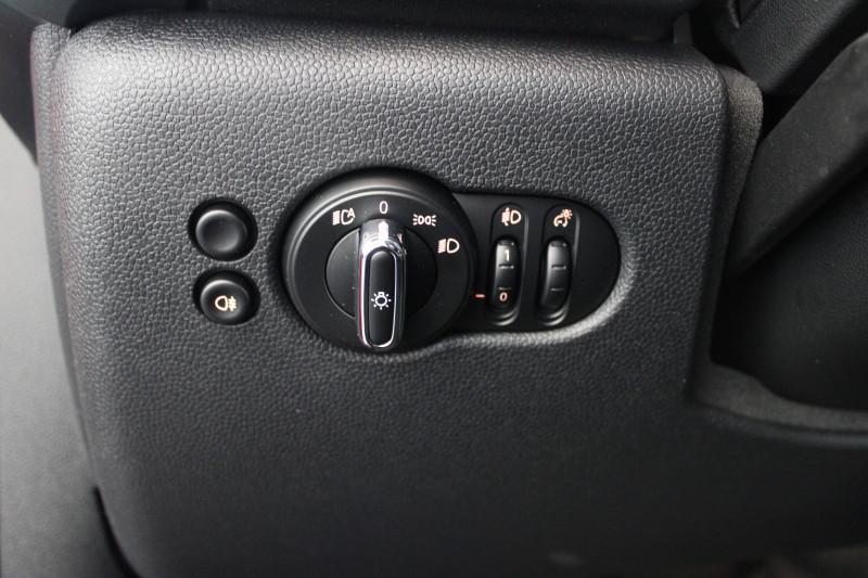 Mini Mini Mini Cooper 136 ch Edition Camden 3p Rouge occasion à Lescar - photo n°9