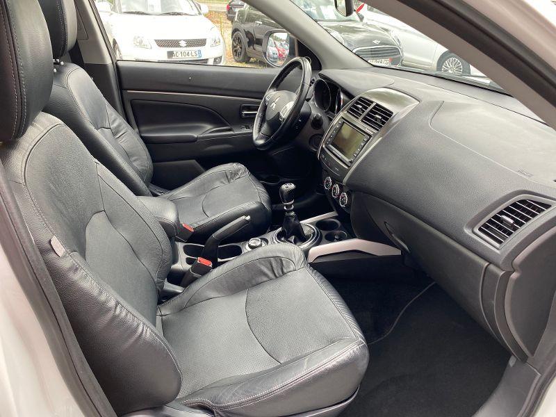 Mitsubishi ASX 1.8 DI-D 150ch Instyle 4WD Blanc occasion à Castelmaurou - photo n°4