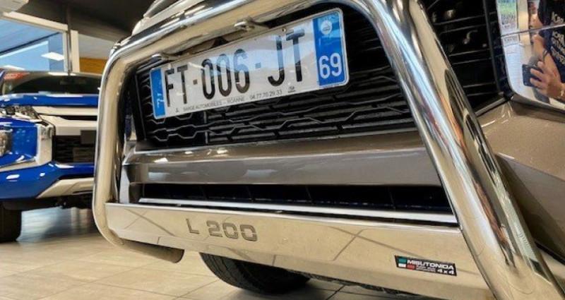 Mitsubishi L200 III CLUB CABINE 2.2 DI-D 150 INTENSE Marron occasion à Saint Vincent De Boisset - photo n°4