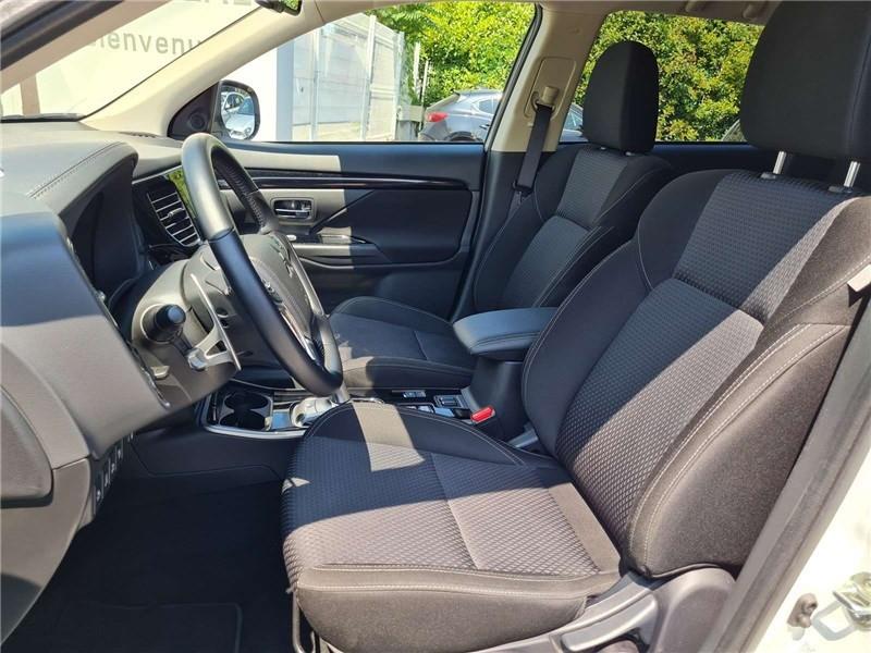 Mitsubishi Outlander 2.4L PHEV TWIN MOTOR 4WD Business Blanc occasion à Muret - photo n°11