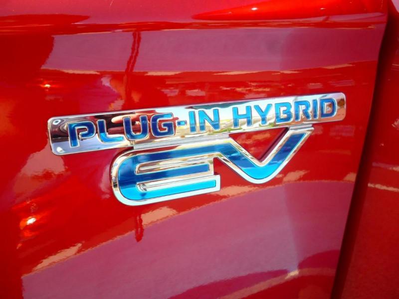 Mitsubishi Outlander 2.4l Twin Motor 4WD Rouge occasion à BAYEUX - photo n°9
