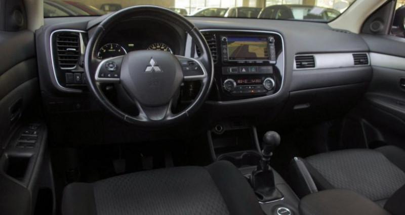 Mitsubishi Outlander III 2.2 DI-D 150 INVITE 4WD Noir occasion à Chambourcy - photo n°2