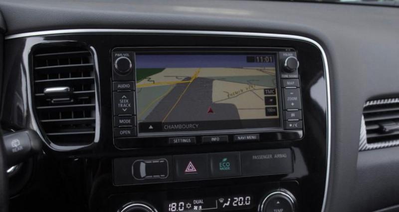 Mitsubishi Outlander III 2.2 DI-D 150 INVITE 4WD Noir occasion à Chambourcy - photo n°6