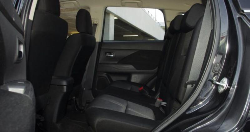 Mitsubishi Outlander III 2.2 DI-D 150 INVITE 4WD Noir occasion à Chambourcy - photo n°4