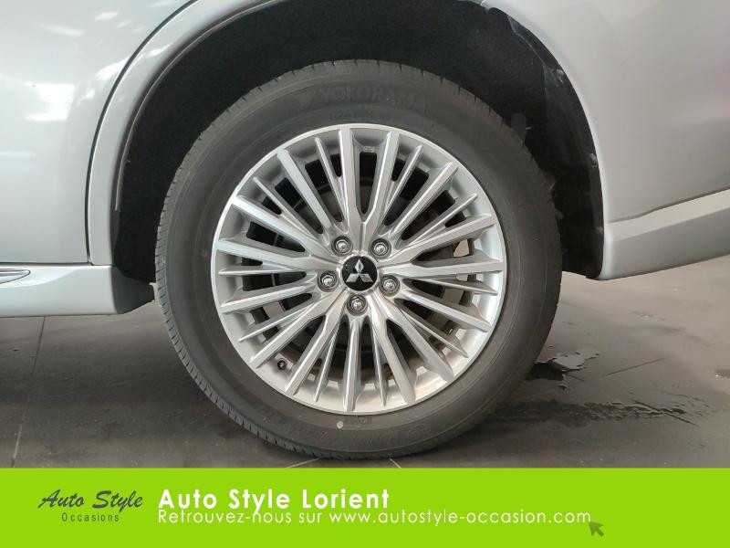 Mitsubishi Outlander PHEV Twin Motor Business 4WD Gris occasion à LANESTER - photo n°15