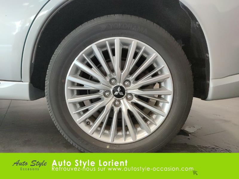 Mitsubishi Outlander PHEV Twin Motor Business 4WD Gris occasion à LANESTER - photo n°16
