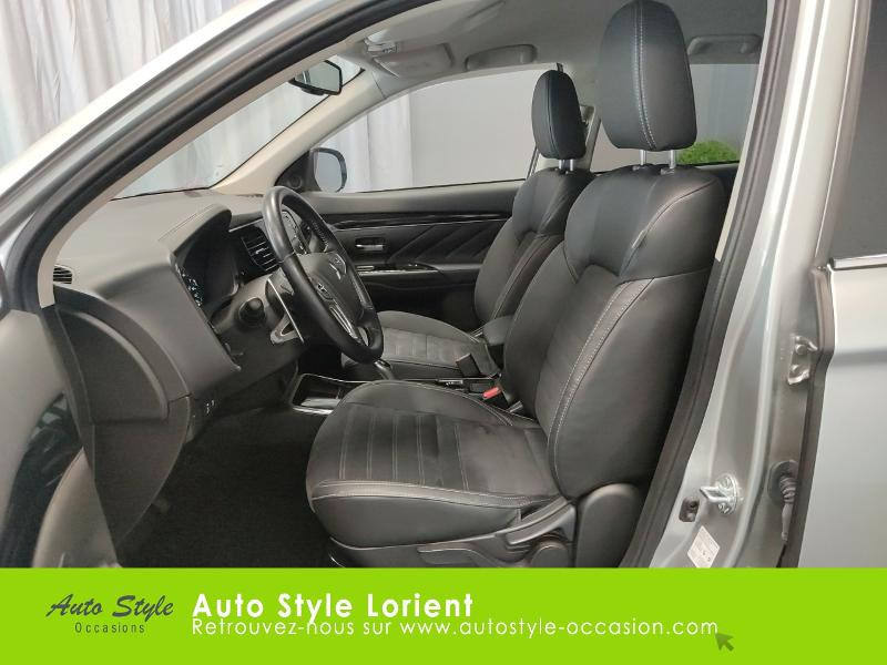 Mitsubishi Outlander PHEV Twin Motor Business 4WD Gris occasion à LANESTER - photo n°11