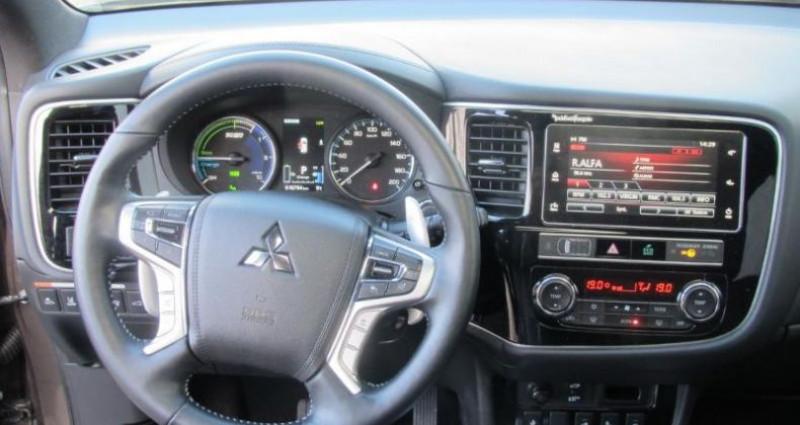 Mitsubishi Outlander PHEV Twin Motor Instyle 4WD  occasion à Saint Ouen L'Aumône - photo n°6