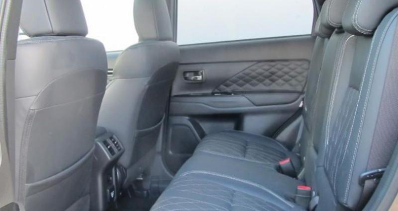 Mitsubishi Outlander PHEV Twin Motor Instyle 4WD  occasion à Saint Ouen L'Aumône - photo n°5