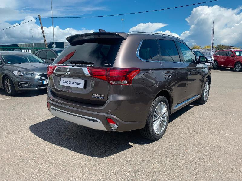 Mitsubishi Outlander PHEV Twin Motor Instyle 4WD Marron occasion à Olivet - photo n°6