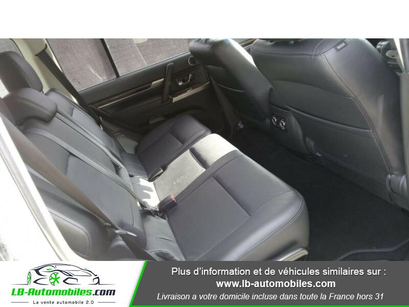 Mitsubishi Pajero 3.2 DI-D 190 INSTYLE BVA Blanc occasion à Beaupuy - photo n°5
