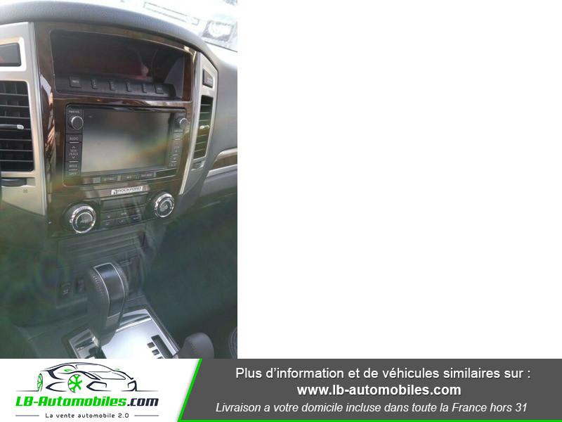 Mitsubishi Pajero 3.2 DI-D 190 INSTYLE BVA Blanc occasion à Beaupuy - photo n°8