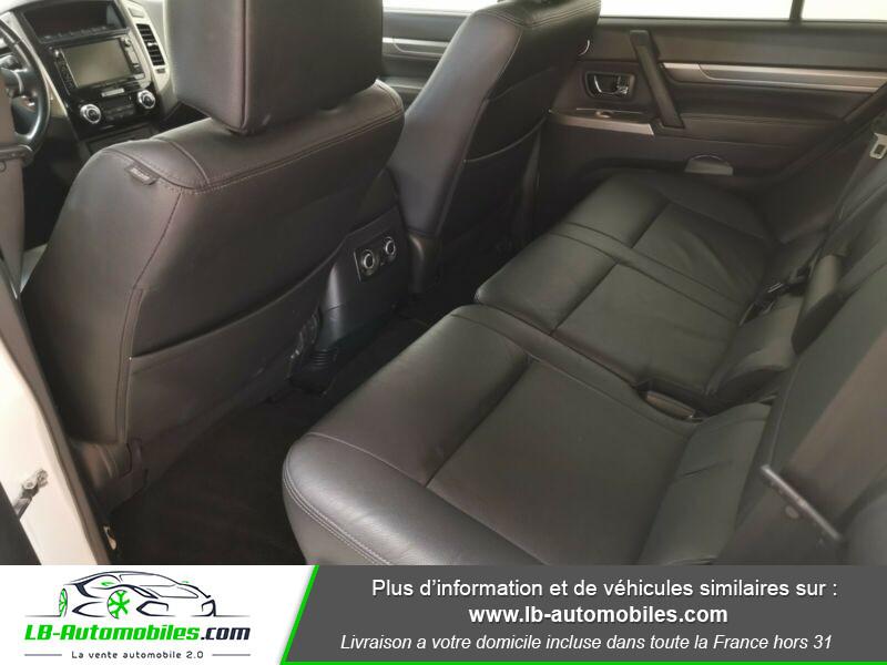 Mitsubishi Pajero 3.2 DI-D 190 INSTYLE BVA Blanc occasion à Beaupuy - photo n°7