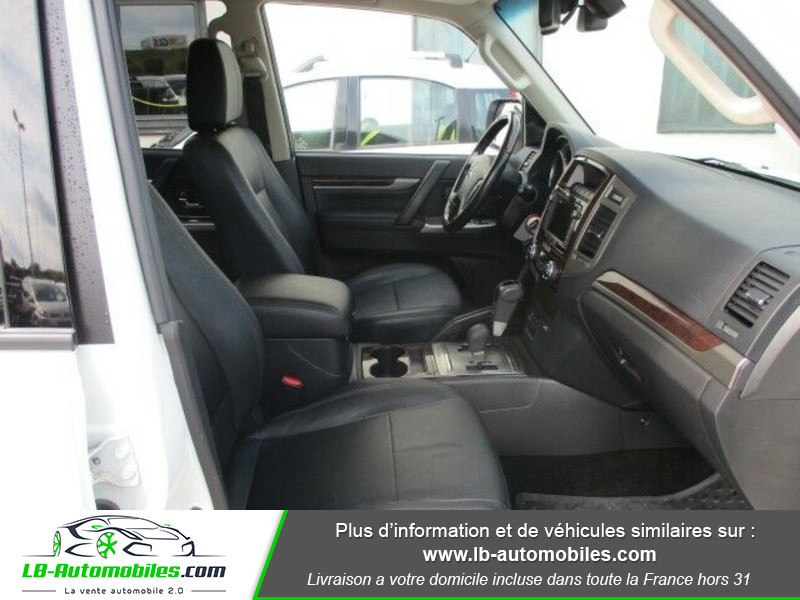 Mitsubishi Pajero 3.2 DI-D 190 INSTYLE BVA Blanc occasion à Beaupuy - photo n°10