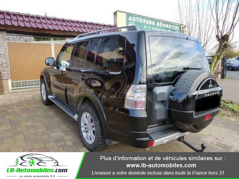 Mitsubishi Pajero 3.2 DI-D 200 INSTYLE BVA 5P Noir occasion à Beaupuy - photo n°3