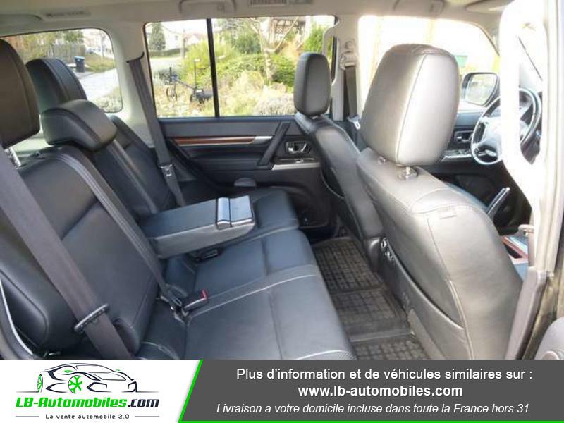 Mitsubishi Pajero 3.2 DI-D 200 INSTYLE BVA 5P Noir occasion à Beaupuy - photo n°12