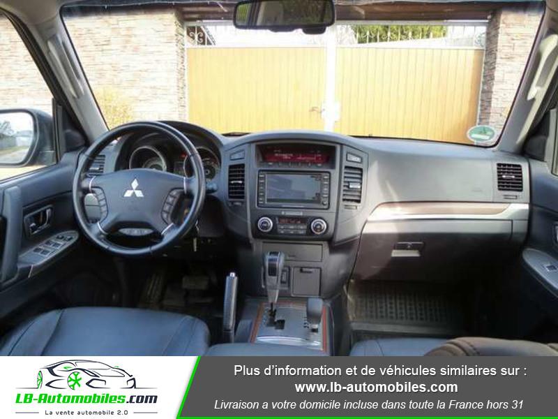 Mitsubishi Pajero 3.2 DI-D 200 INSTYLE BVA 5P Noir occasion à Beaupuy - photo n°2