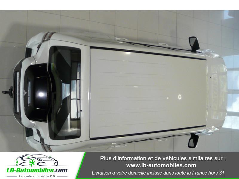 Mitsubishi Pajero 3.2 DI-D 200 INVITE 5P Blanc occasion à Beaupuy - photo n°10