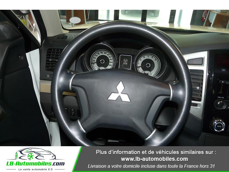 Mitsubishi Pajero 3.2 DI-D 200 INVITE 5P Blanc occasion à Beaupuy - photo n°16