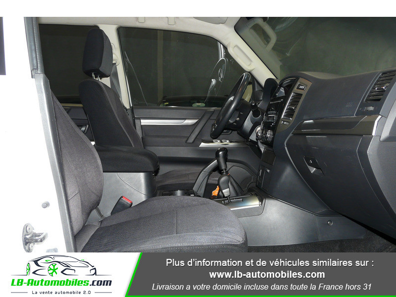 Mitsubishi Pajero 3.2 DI-D 200 INVITE 5P Blanc occasion à Beaupuy - photo n°8