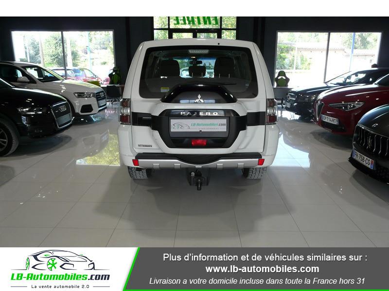 Mitsubishi Pajero 3.2 DI-D 200 INVITE 5P Blanc occasion à Beaupuy - photo n°12