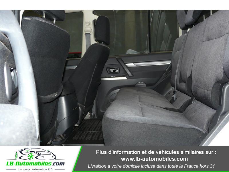 Mitsubishi Pajero 3.2 DI-D 200 INVITE 5P Blanc occasion à Beaupuy - photo n°5