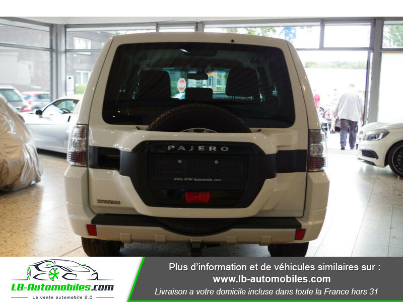 Mitsubishi Pajero 3.2 DI-D Blanc occasion à Beaupuy - photo n°9