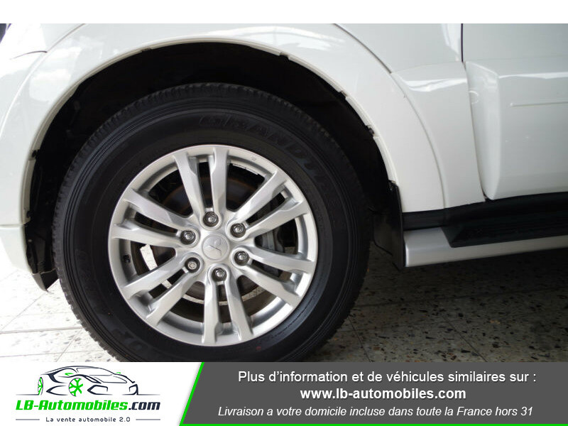 Mitsubishi Pajero 3.2 DI-D Blanc occasion à Beaupuy - photo n°11