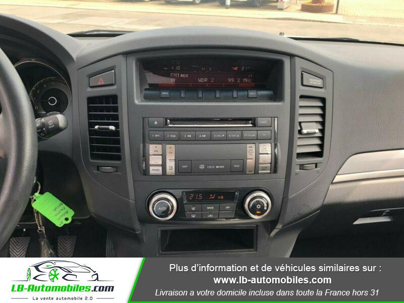 Mitsubishi Pajero 3.2 DI-D Argent occasion à Beaupuy - photo n°7