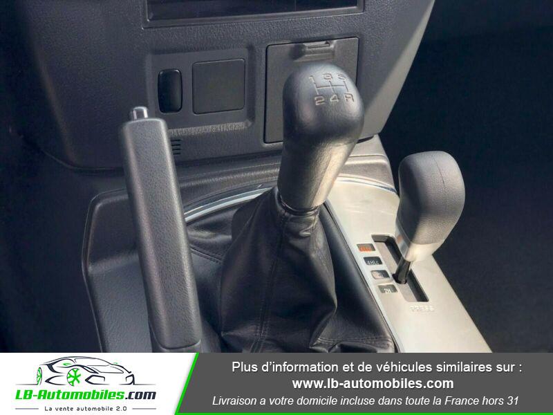 Mitsubishi Pajero 3.2 DI-D Argent occasion à Beaupuy - photo n°8