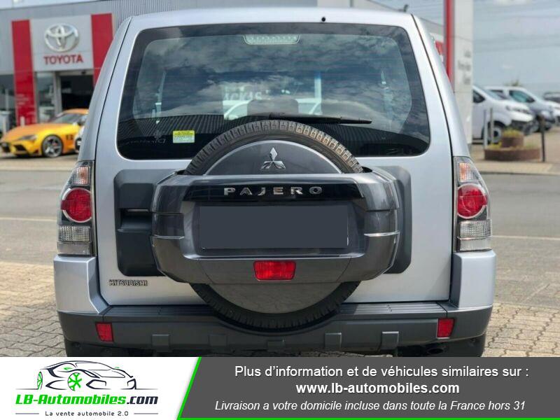 Mitsubishi Pajero 3.2 DI-D Argent occasion à Beaupuy - photo n°11