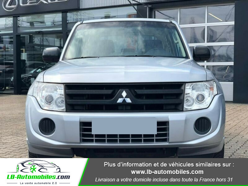 Mitsubishi Pajero 3.2 DI-D Argent occasion à Beaupuy - photo n°9