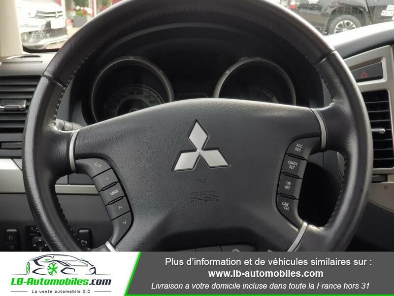 Mitsubishi Pajero 3.2 DI-D Noir occasion à Beaupuy - photo n°6