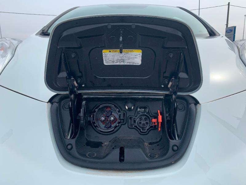 Nissan Leaf 109ch 24kWh Acenta Blanc occasion à Olivet - photo n°7