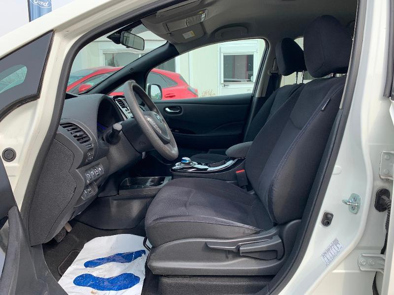 Nissan Leaf 109ch 24kWh Acenta Blanc occasion à Olivet - photo n°17