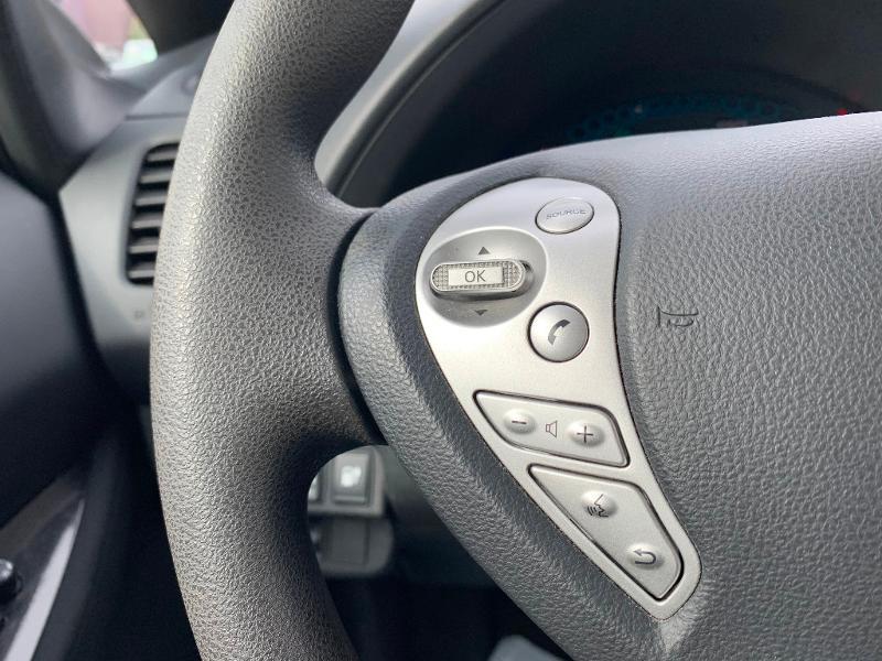 Nissan Leaf 109ch 24kWh Acenta Blanc occasion à Olivet - photo n°10