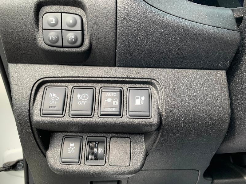 Nissan Leaf 109ch 24kWh Acenta Blanc occasion à Olivet - photo n°13