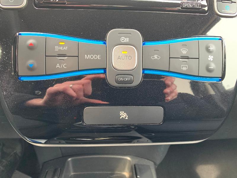Nissan Leaf 109ch 24kWh Acenta Blanc occasion à Olivet - photo n°16