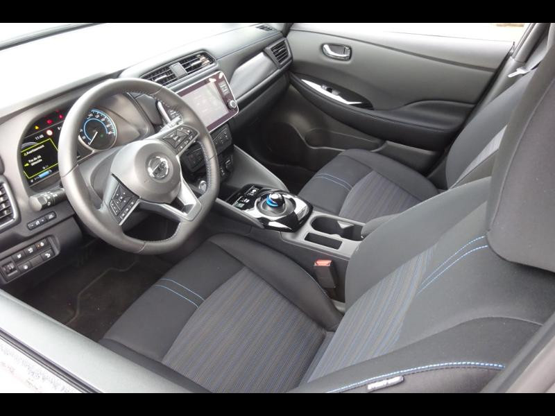Nissan Leaf 150ch 40kWh Acenta 19.5 Blanc occasion à Rodez - photo n°4
