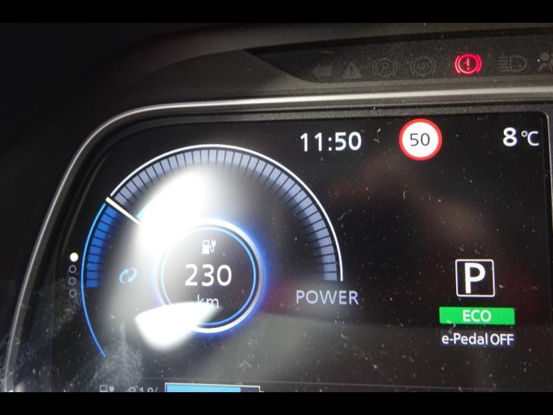 Nissan Leaf 150ch 40kWh Acenta 19.5 Blanc occasion à Rodez - photo n°14