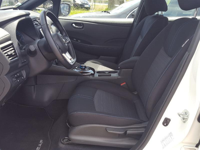 Nissan Leaf 150ch 40kWh Acenta 2018 Blanc occasion à Quimper - photo n°3