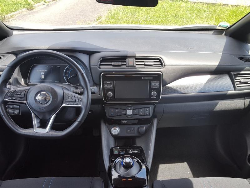 Nissan Leaf 150ch 40kWh Acenta 2018 Blanc occasion à Quimper - photo n°5