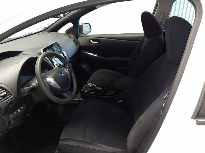 Nissan Leaf 2017 Electrique 30kWh Black Edition Blanc occasion à Tarbes - photo n°5