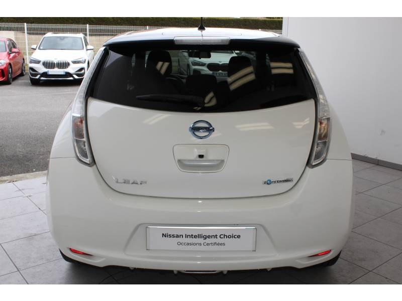 Nissan Leaf 2017 Electrique 30kWh Black Edition Blanc occasion à Lescar - photo n°4