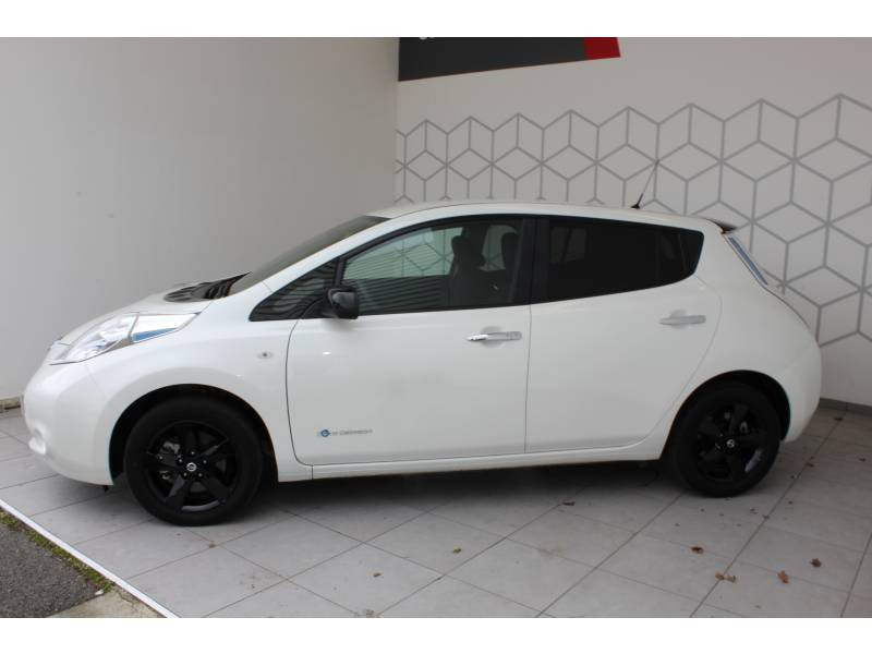Nissan Leaf 2017 Electrique 30kWh Black Edition Blanc occasion à Lescar - photo n°3
