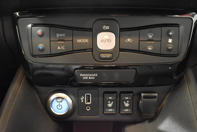 Nissan Leaf Leaf Electrique 40kWh Tekna 5p Gris occasion à Limoges - photo n°8