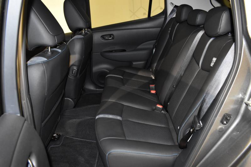 Nissan Leaf Leaf Electrique 40kWh Tekna 5p Gris occasion à Limoges - photo n°12
