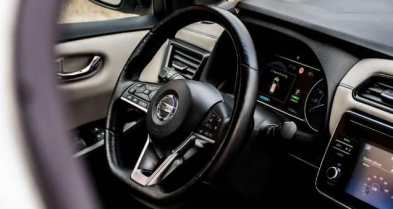 Nissan Leaf N-CONNECTA - 40KWH - BELGIAN CAR - 1 OWNER Blanc occasion à IZEGEM - photo n°5