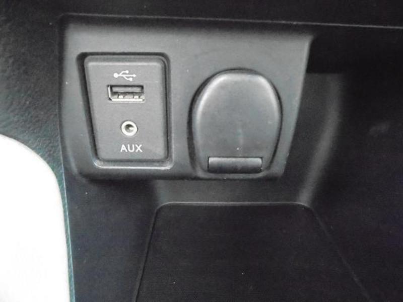 Nissan Micra 0.9 IG-T 90ch N-Connecta GPS Blanc occasion à Samoreau - photo n°11