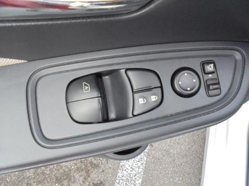 Nissan Micra 0.9 IG-T 90ch N-Connecta GPS Blanc occasion à Samoreau - photo n°17